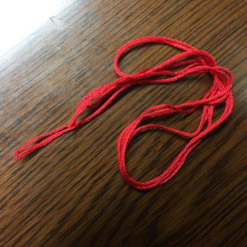 ほぐす前の刺繍糸